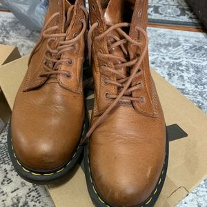 Women's Dr. Martens Used